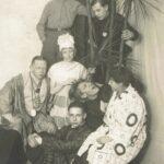 Die heilige Familie auf dem Gauklerfest | Will Burgdorf (Mi. re.), Carl Buchheister (Mi. li.)